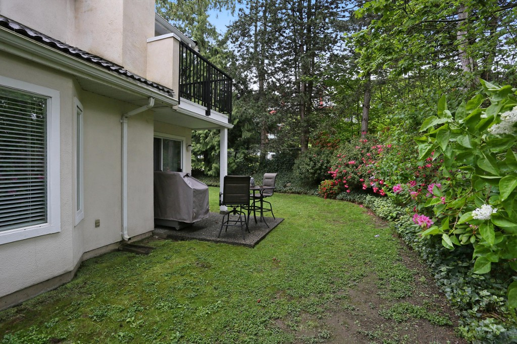"Photo 19: 1 10050 154 Street in Surrey: Guildford Townhouse for sale in ""Woodland Grove"" (North Surrey)  : MLS® # R2169167"