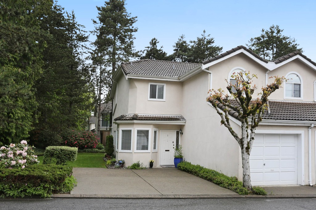 "Photo 1: 1 10050 154 Street in Surrey: Guildford Townhouse for sale in ""Woodland Grove"" (North Surrey)  : MLS® # R2169167"