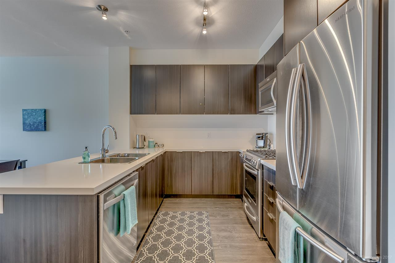 "Photo 5: 318 3107 WINDSOR Gate in Coquitlam: New Horizons Condo for sale in ""BRADLEY HOUSE AT WINDSOR GATE"" : MLS® # R2184767"