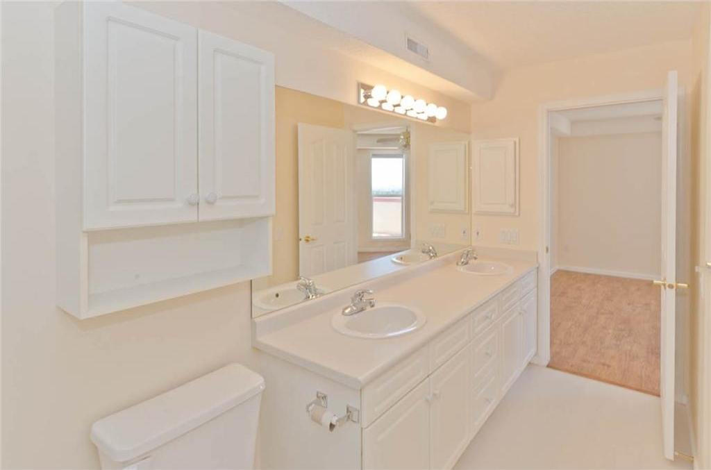 Master bathroom: 2 sinks make this master bath a 5 piece bathroom!  Ample room for 2 people to get ready for the day!