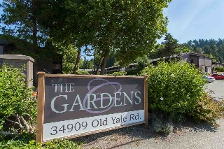 "Main Photo: 812 34909 OLD YALE Road in Abbotsford: Abbotsford East Townhouse for sale in ""The Gardens"" : MLS(r) # R2189327"
