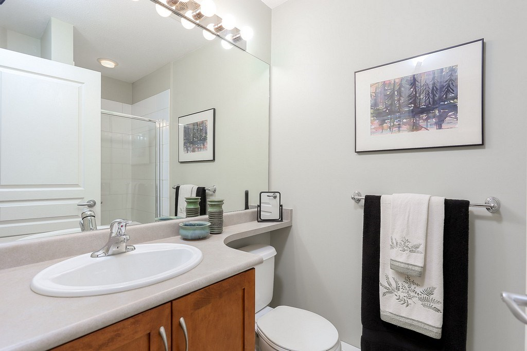 "Photo 16: 404 2958 WHISPER Way in Coquitlam: Westwood Plateau Condo for sale in ""SUMMERLIN"" : MLS® # R2195414"