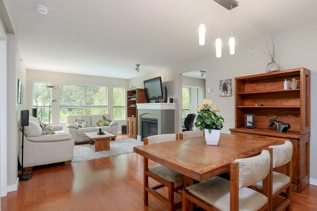 "Photo 4: 404 2958 WHISPER Way in Coquitlam: Westwood Plateau Condo for sale in ""SUMMERLIN"" : MLS® # R2195414"