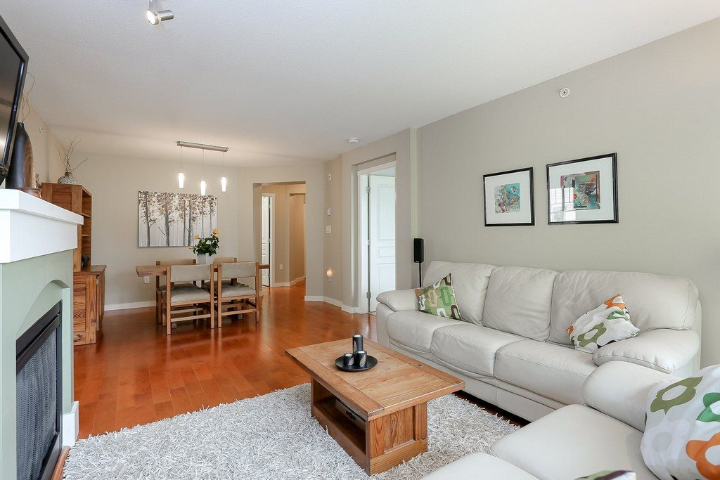 "Photo 3: 404 2958 WHISPER Way in Coquitlam: Westwood Plateau Condo for sale in ""SUMMERLIN"" : MLS® # R2195414"