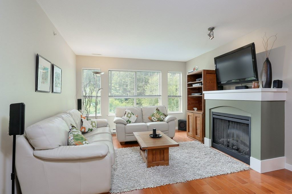 "Photo 2: 404 2958 WHISPER Way in Coquitlam: Westwood Plateau Condo for sale in ""SUMMERLIN"" : MLS® # R2195414"