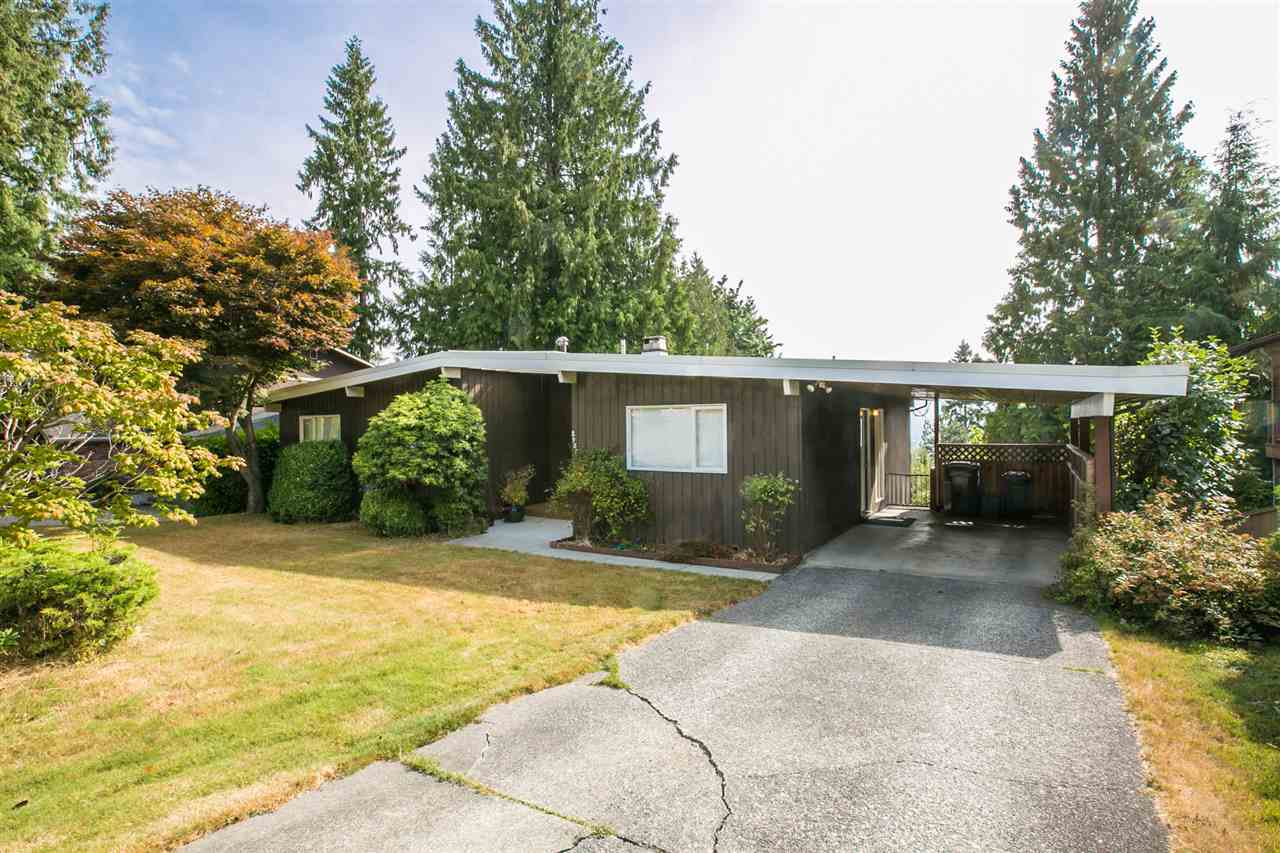 Main Photo: 2987 SURF Crescent in Coquitlam: Ranch Park House for sale : MLS® # R2197011