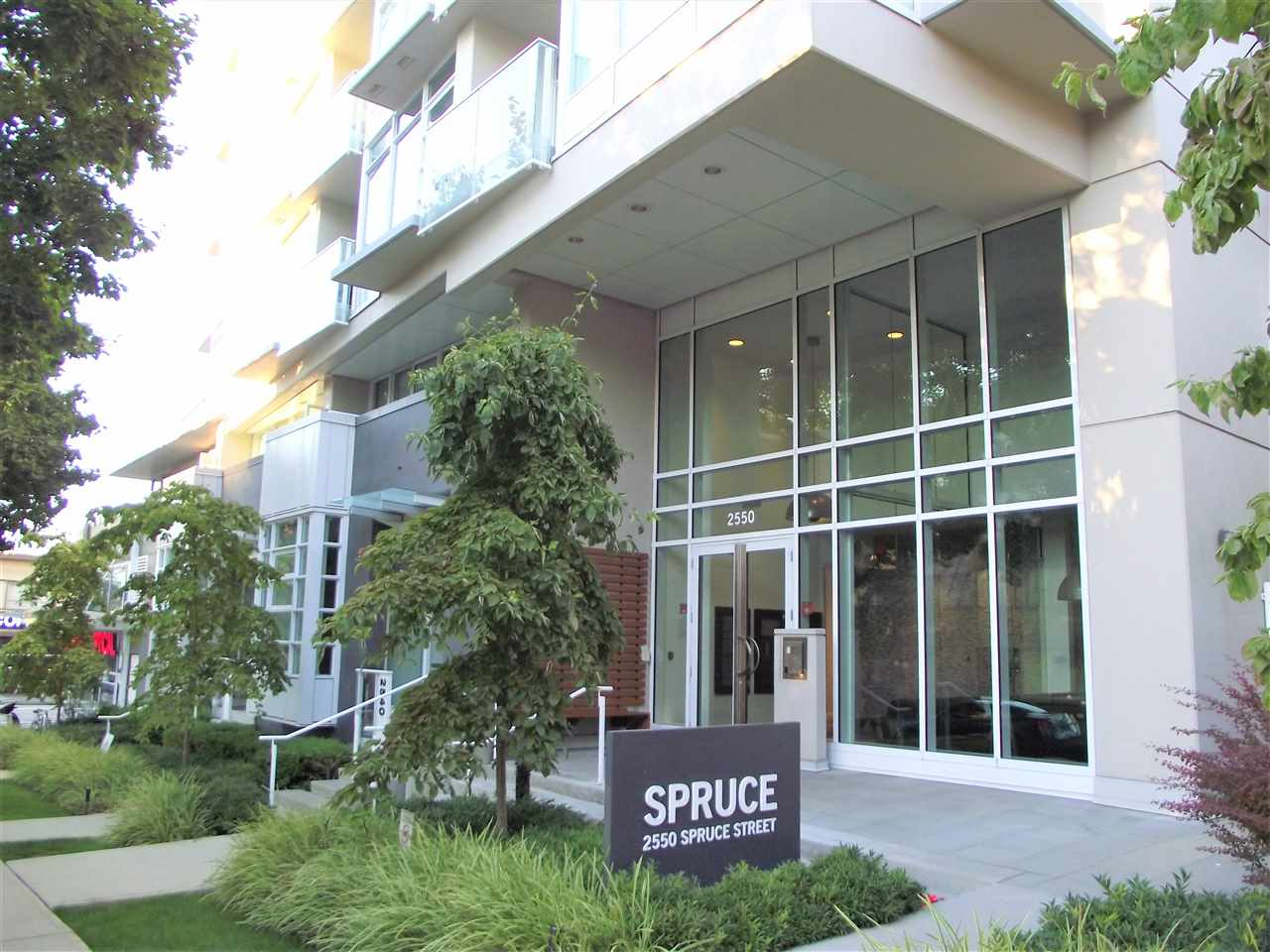 Main Photo: 303 2550 SPRUCE Street in Vancouver: Fairview VW Condo for sale (Vancouver West)  : MLS® # R2198621