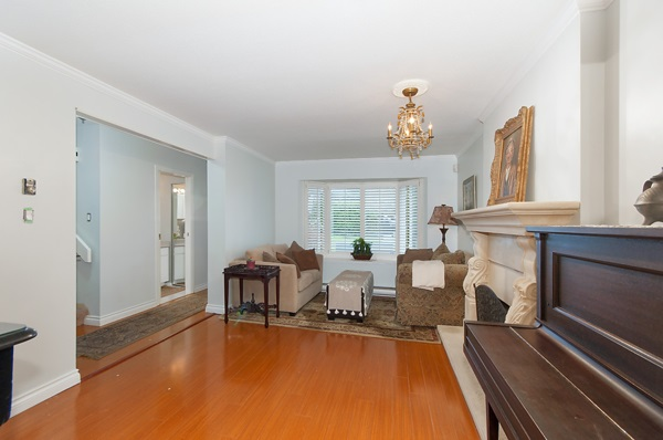 Photo 3: 2167 W 15TH Avenue in Vancouver: Kitsilano House 1/2 Duplex for sale (Vancouver West)  : MLS® # R2203885