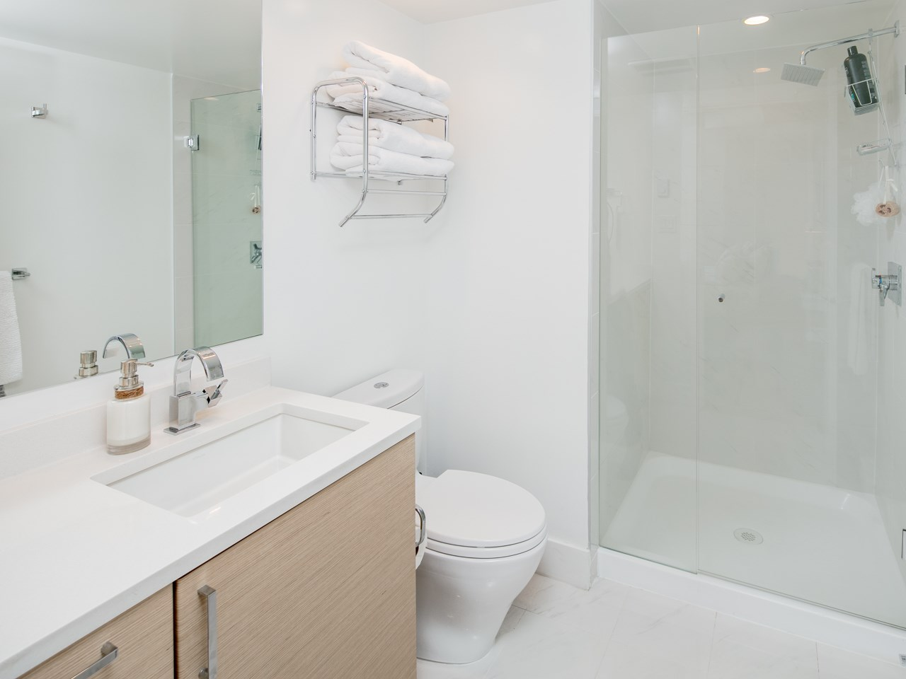 "Photo 11: 1678 MCLEAN Drive in Vancouver: Grandview VE Townhouse for sale in ""Granview Cascades"" (Vancouver East)  : MLS® # R2204906"