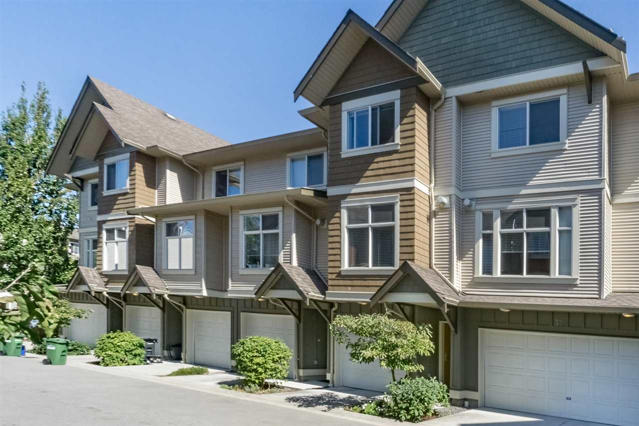 "Main Photo: 38 12311 NO 2 Road in Richmond: Steveston South Townhouse for sale in ""FAIRWIND"" : MLS® # R2206664"