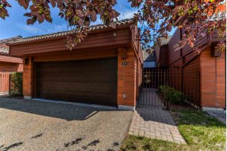 Main Photo: 24 500 LESSARD Drive in Edmonton: Zone 20 Townhouse for sale : MLS®# E4121074