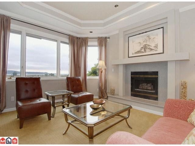 "Photo 3: 12784 SOUTHRIDGE Drive in Surrey: Panorama Ridge House for sale in ""Panorama Ridge"" : MLS(r) # F1117310"