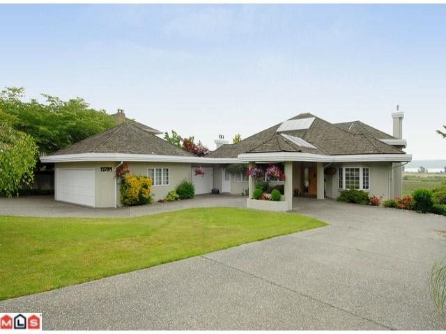 "Photo 2: 12784 SOUTHRIDGE Drive in Surrey: Panorama Ridge House for sale in ""Panorama Ridge"" : MLS(r) # F1117310"