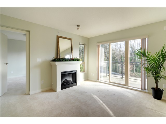 "Photo 5: # 428 1633 MACKAY AV in North Vancouver: Pemberton NV Condo for sale in ""TOUCHSTONE"" : MLS(r) # V903804"