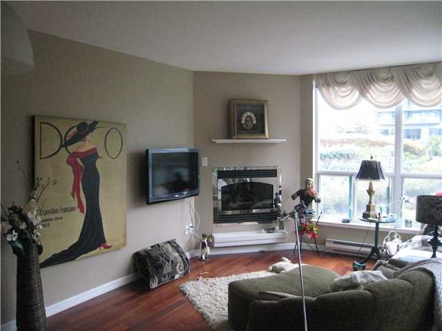 "Photo 3: 304 1148 HEFFLEY Crescent in Coquitlam: North Coquitlam Condo for sale in ""THE CENTURA"" : MLS(r) # V919095"