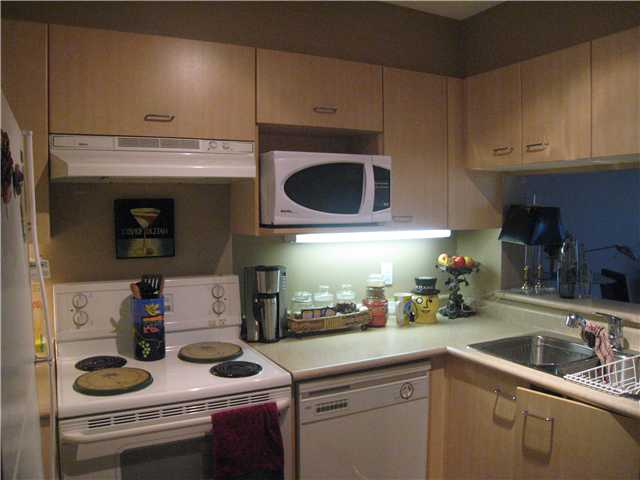 "Photo 5: 304 1148 HEFFLEY Crescent in Coquitlam: North Coquitlam Condo for sale in ""THE CENTURA"" : MLS(r) # V919095"