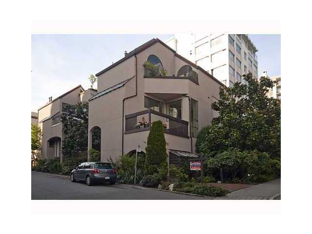 "Main Photo: 3 1019 GILFORD Street in Vancouver: West End VW Townhouse for sale in ""GILFORD MEWS"" (Vancouver West)  : MLS® # V927382"