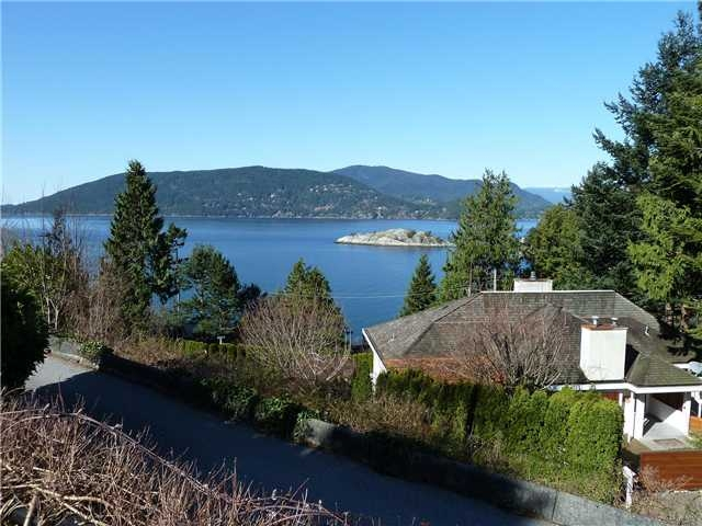 Main Photo: 6240 Wellington Ave in West Vancouver: Horseshoe Bay WV House for sale : MLS® # V939454