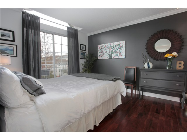 Photo 5: 302 592 W 16TH Avenue in Vancouver: Cambie Condo for sale (Vancouver West)  : MLS® # V944623
