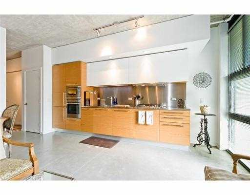 Photo 8: 104 388 W 1ST Avenue in Vancouver: False Creek Condo for sale (Vancouver West)  : MLS® # V979976