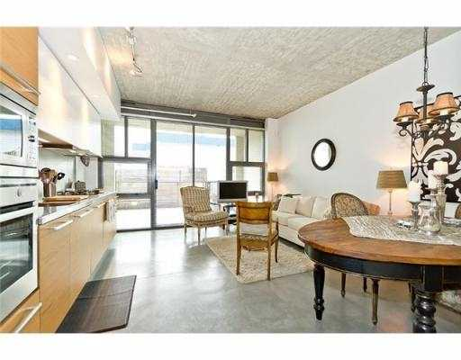 Photo 5: 104 388 W 1ST Avenue in Vancouver: False Creek Condo for sale (Vancouver West)  : MLS(r) # V979976