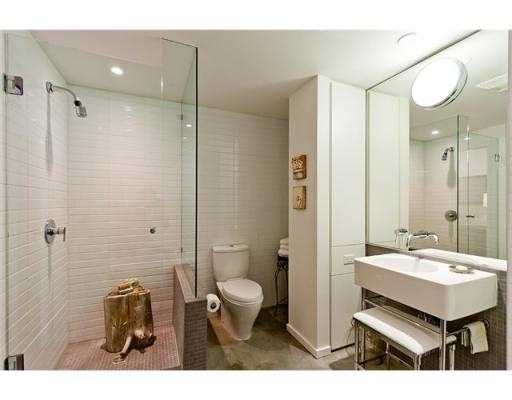 Photo 3: 104 388 W 1ST Avenue in Vancouver: False Creek Condo for sale (Vancouver West)  : MLS(r) # V979976