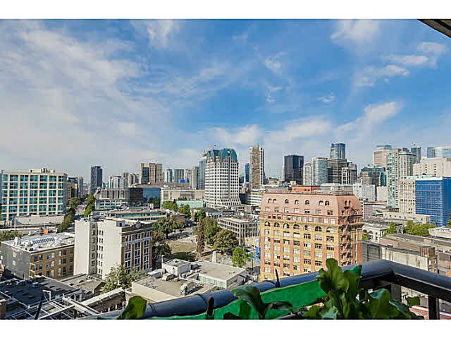 "Photo 8: 2108 128 W CORDOVA Street in Vancouver: Downtown VW Condo for sale in ""WOODWARDS W-43"" (Vancouver West)  : MLS(r) # V1140977"