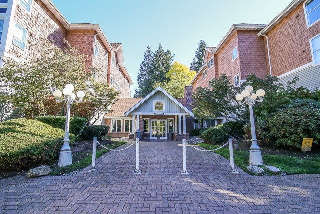"Main Photo: 212 9650 148 Street in Surrey: Guildford Condo for sale in ""Hartford Woods"" (North Surrey)  : MLS®# R2005610"