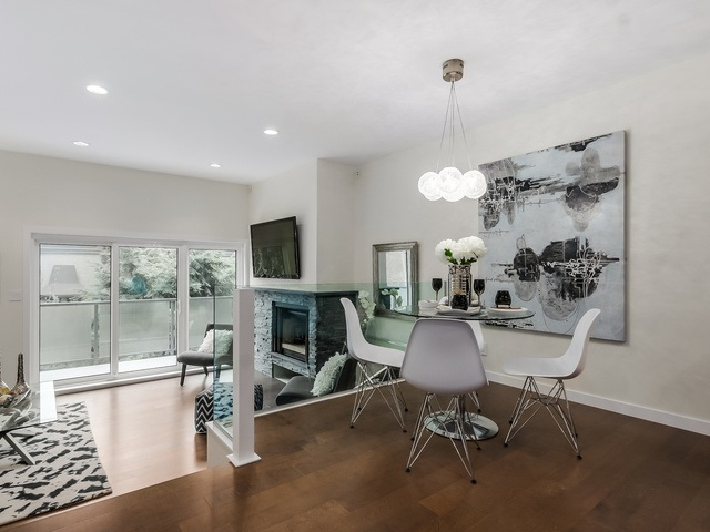 Photo 2: 1614 MAPLE Street in Vancouver: Kitsilano Townhouse for sale (Vancouver West)  : MLS® # R2014583