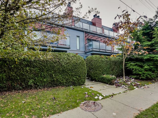 Main Photo: 1614 MAPLE Street in Vancouver: Kitsilano Townhouse for sale (Vancouver West)  : MLS(r) # R2014583