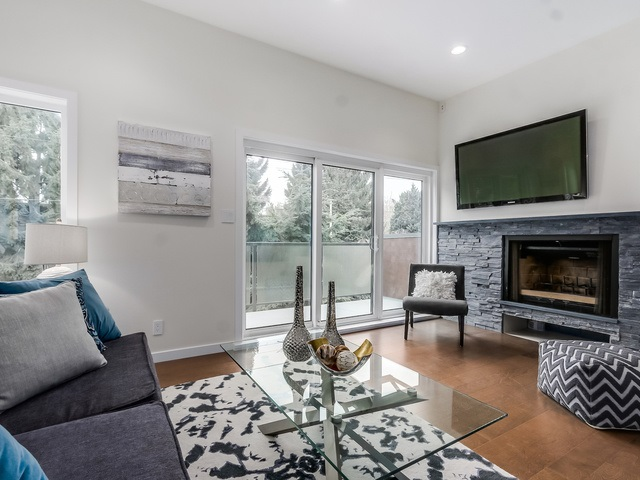 Photo 3: 1614 MAPLE Street in Vancouver: Kitsilano Townhouse for sale (Vancouver West)  : MLS® # R2014583