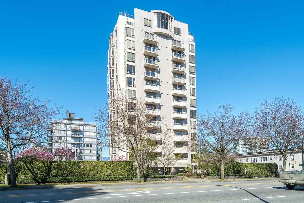 "Main Photo: 901 1405 W 12TH Avenue in Vancouver: Fairview VW Condo for sale in ""THE WARRENTON"" (Vancouver West)  : MLS(r) # R2053078"