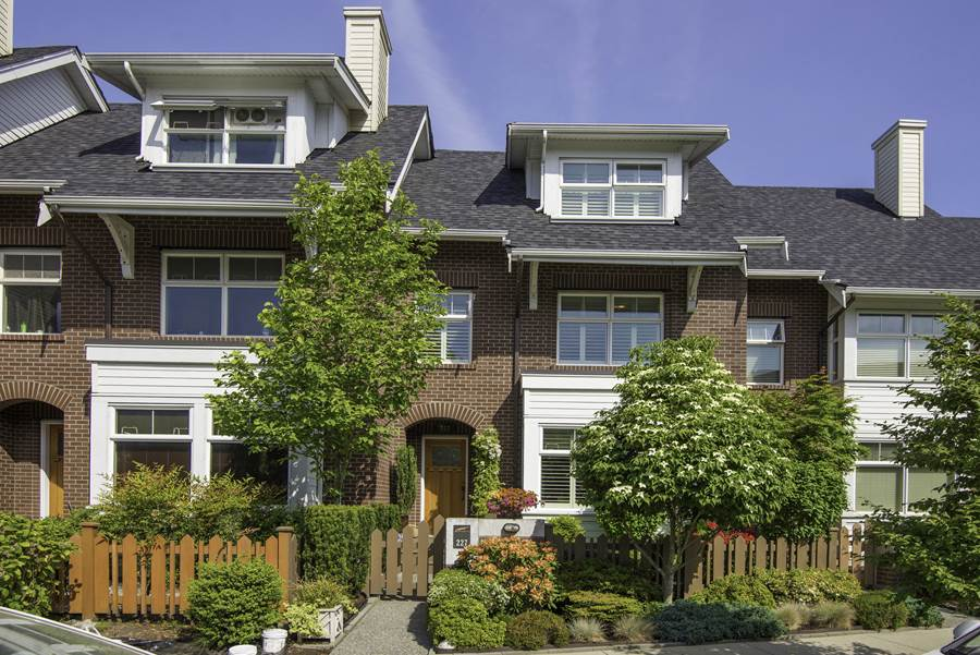 "Main Photo: 227 SALTER Street in New Westminster: Queensborough Condo for sale in ""Marmalade Sky"" : MLS(r) # R2069622"
