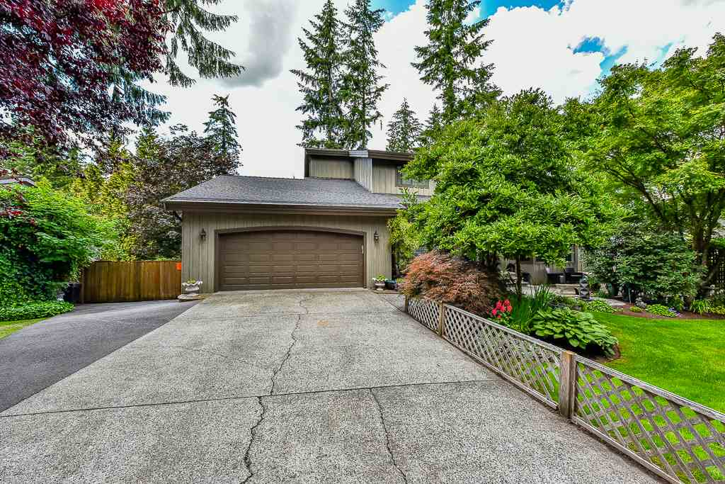 "Main Photo: 23865 58A Avenue in Langley: Salmon River House for sale in ""TALL TIMBERS"" : MLS® # R2080467"