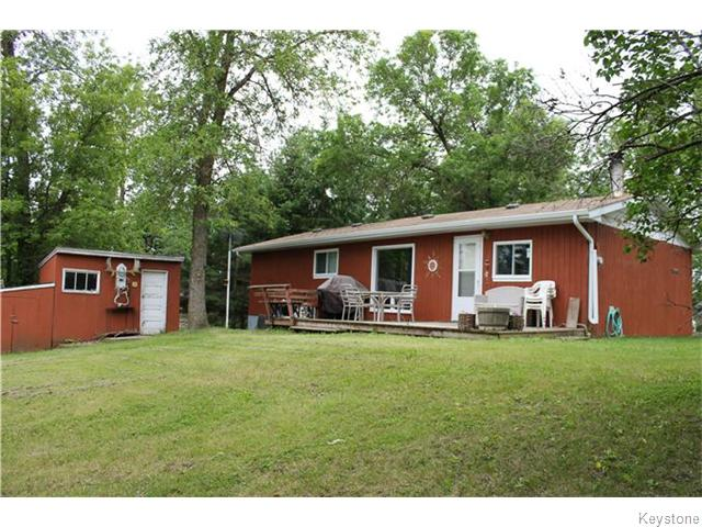 Main Photo: 15 rene Boulevard in Lac Du Bonnet RM: Lac Du Bonnet Residential for sale (R28)  : MLS(r) # 1616639
