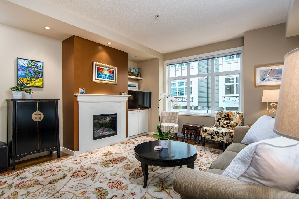 "Photo 2: Photos: 3850 WELWYN Street in Vancouver: Victoria VE Townhouse for sale in ""Stories"" (Vancouver East)  : MLS® # R2136564"