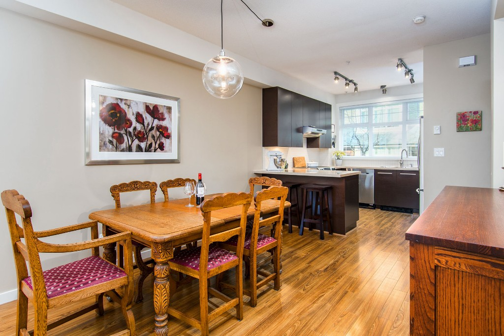 "Photo 6: Photos: 3850 WELWYN Street in Vancouver: Victoria VE Townhouse for sale in ""Stories"" (Vancouver East)  : MLS® # R2136564"