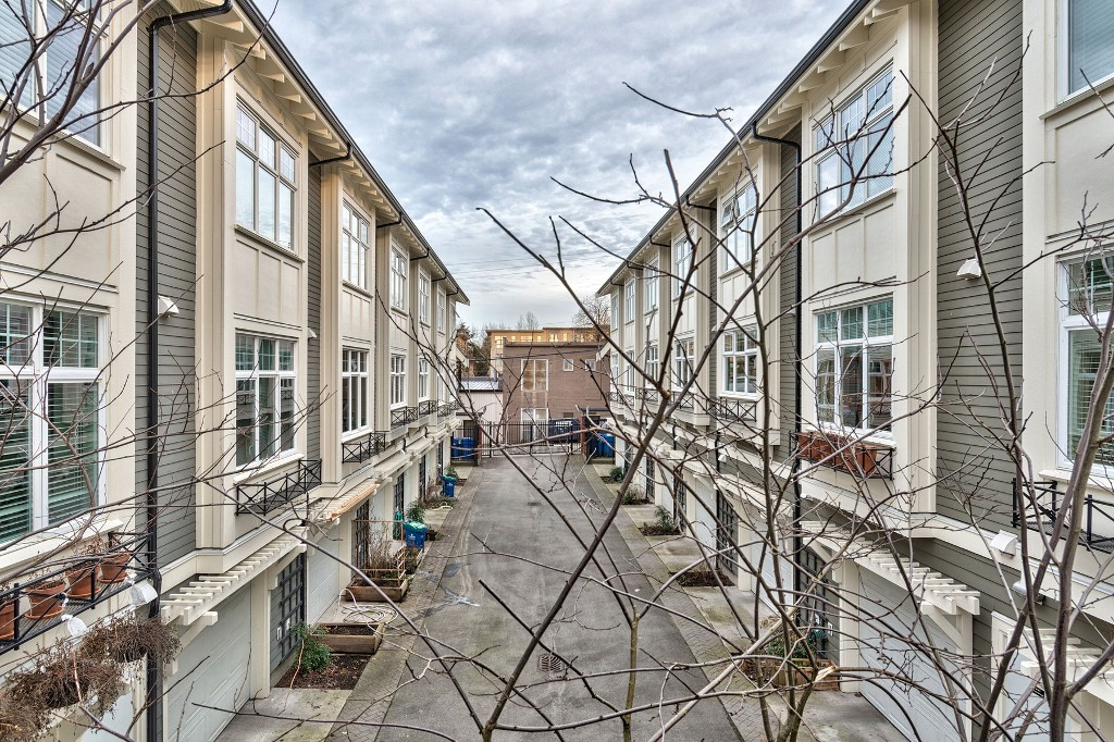 "Photo 28: Photos: 3850 WELWYN Street in Vancouver: Victoria VE Townhouse for sale in ""Stories"" (Vancouver East)  : MLS® # R2136564"