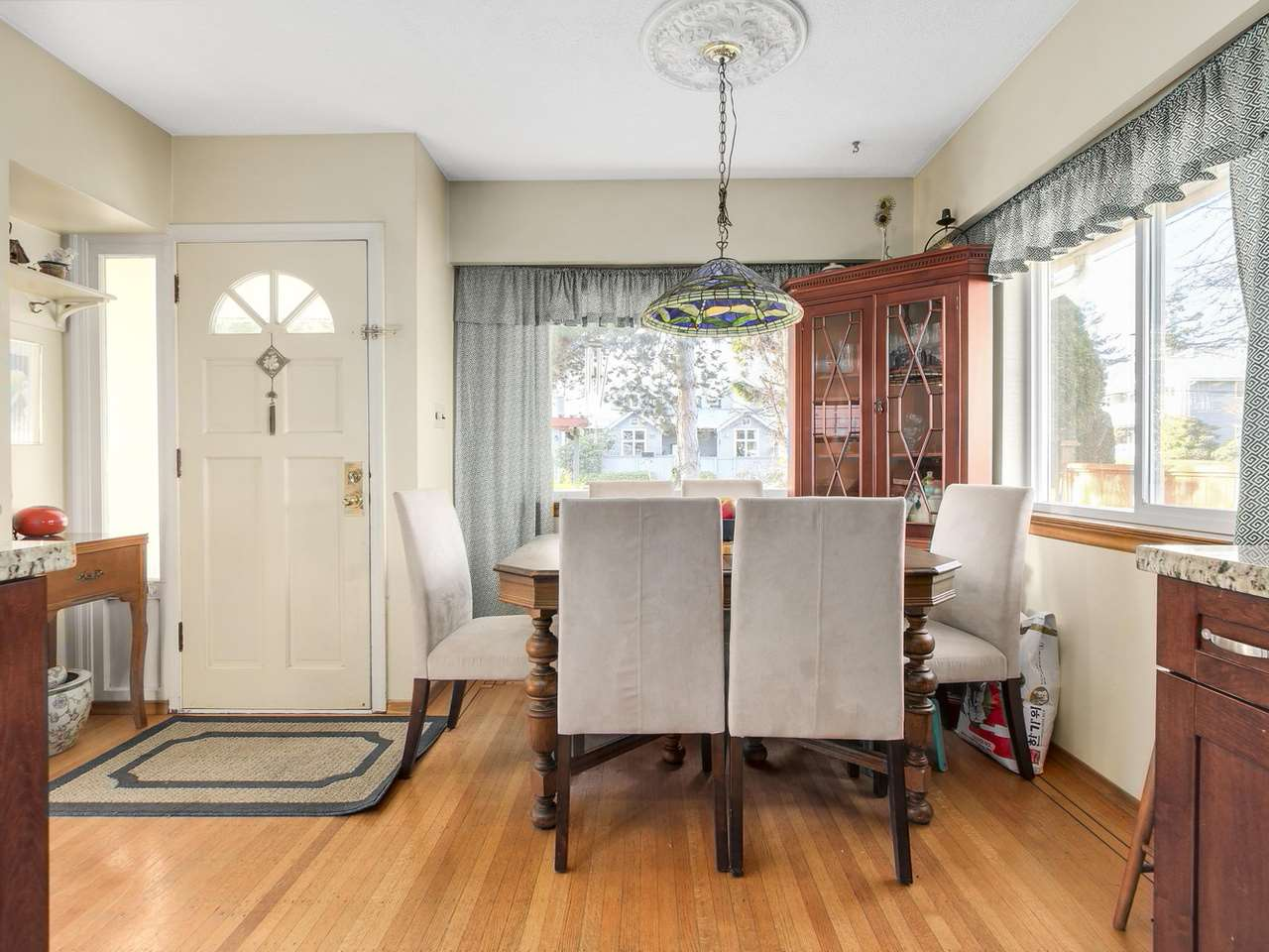 Photo 4: Photos: 1520 MACGOWAN Avenue in North Vancouver: Norgate House for sale : MLS®# R2137032