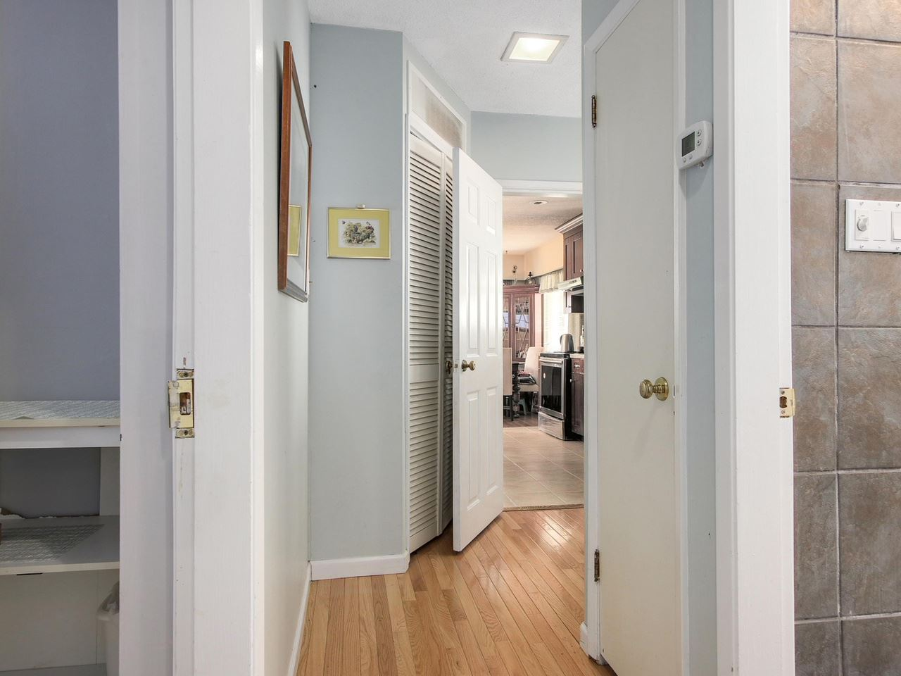 Photo 9: Photos: 1520 MACGOWAN Avenue in North Vancouver: Norgate House for sale : MLS®# R2137032