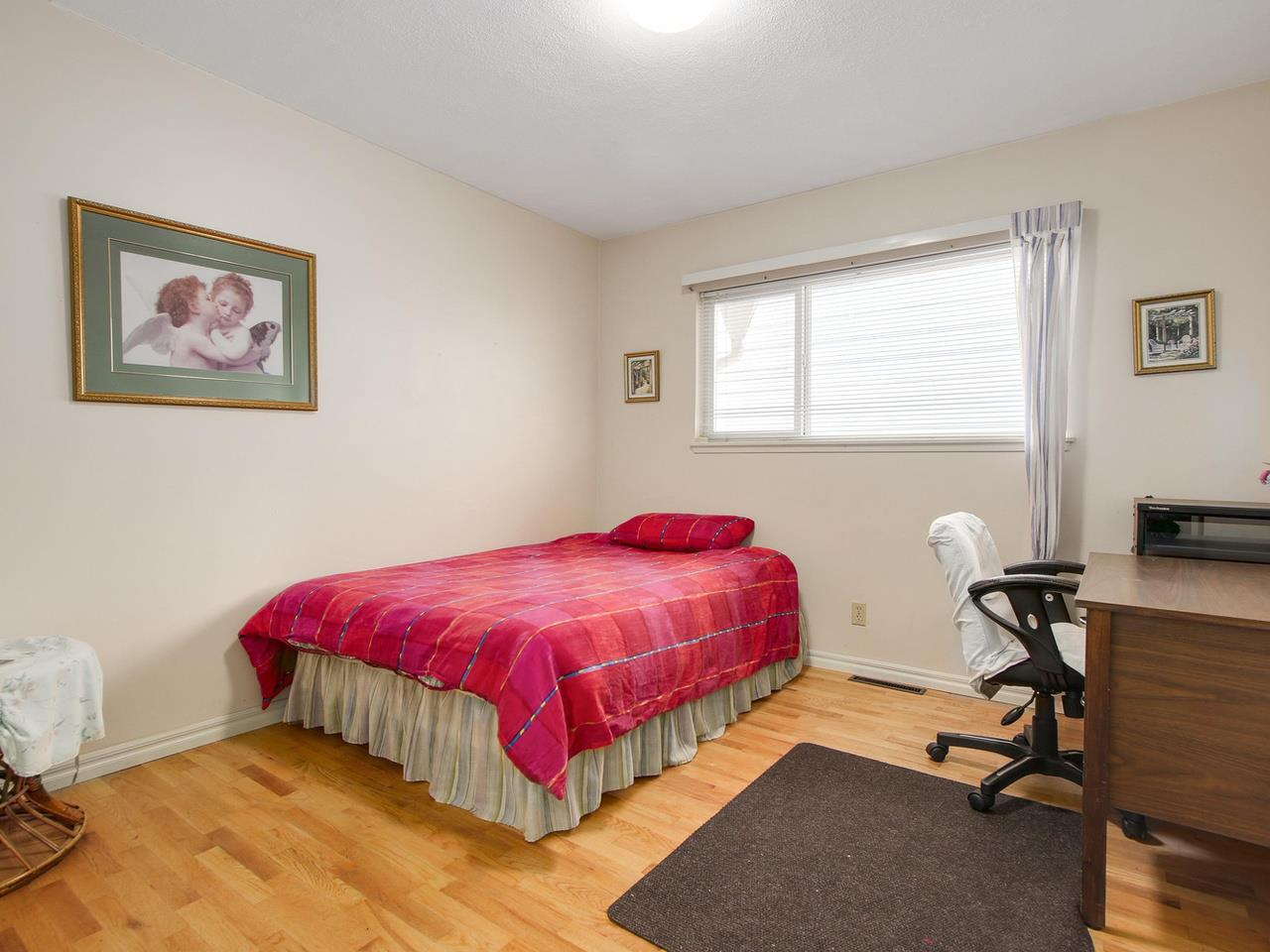 Photo 13: Photos: 1520 MACGOWAN Avenue in North Vancouver: Norgate House for sale : MLS® # R2137032