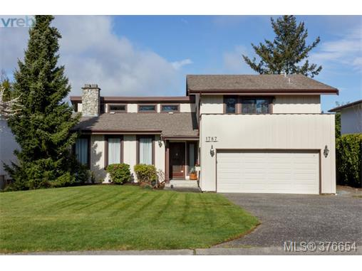 Main Photo: 1787 Triest Crescent in VICTORIA: SE Gordon Head Single Family Detached for sale (Saanich East)  : MLS® # 376654