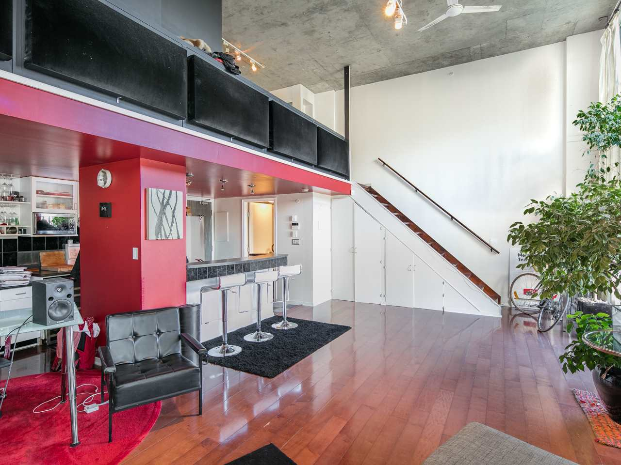 "Photo 6: 407 22 E CORDOVA Street in Vancouver: Downtown VE Condo for sale in ""Van Horne"" (Vancouver East)  : MLS(r) # R2163829"