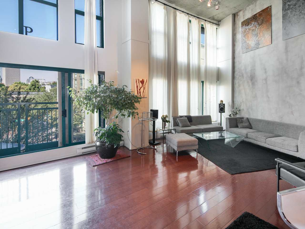"Photo 7: 407 22 E CORDOVA Street in Vancouver: Downtown VE Condo for sale in ""Van Horne"" (Vancouver East)  : MLS® # R2163829"