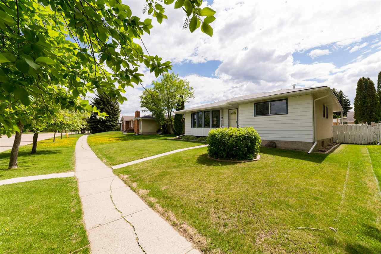 Main Photo: 56 WOODHAVEN Drive S: Spruce Grove House for sale : MLS(r) # E4066228