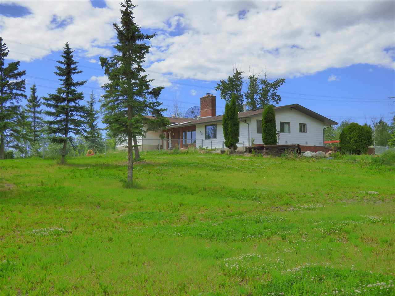 Main Photo: 37 23332 T 520 Road NW: Rural Strathcona County House for sale : MLS® # E4068938