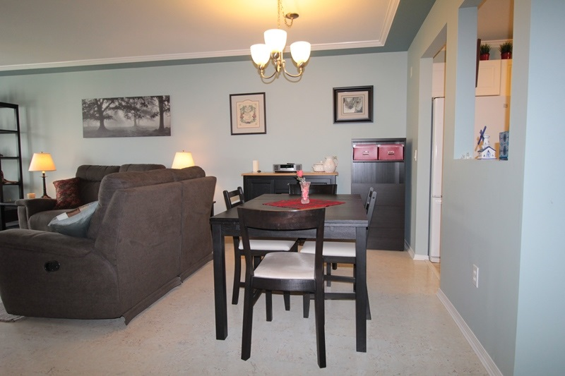 "Photo 4: 310 20453 53 Avenue in Langley: Langley City Condo for sale in ""Countryside Estates"" : MLS(r) # R2178947"