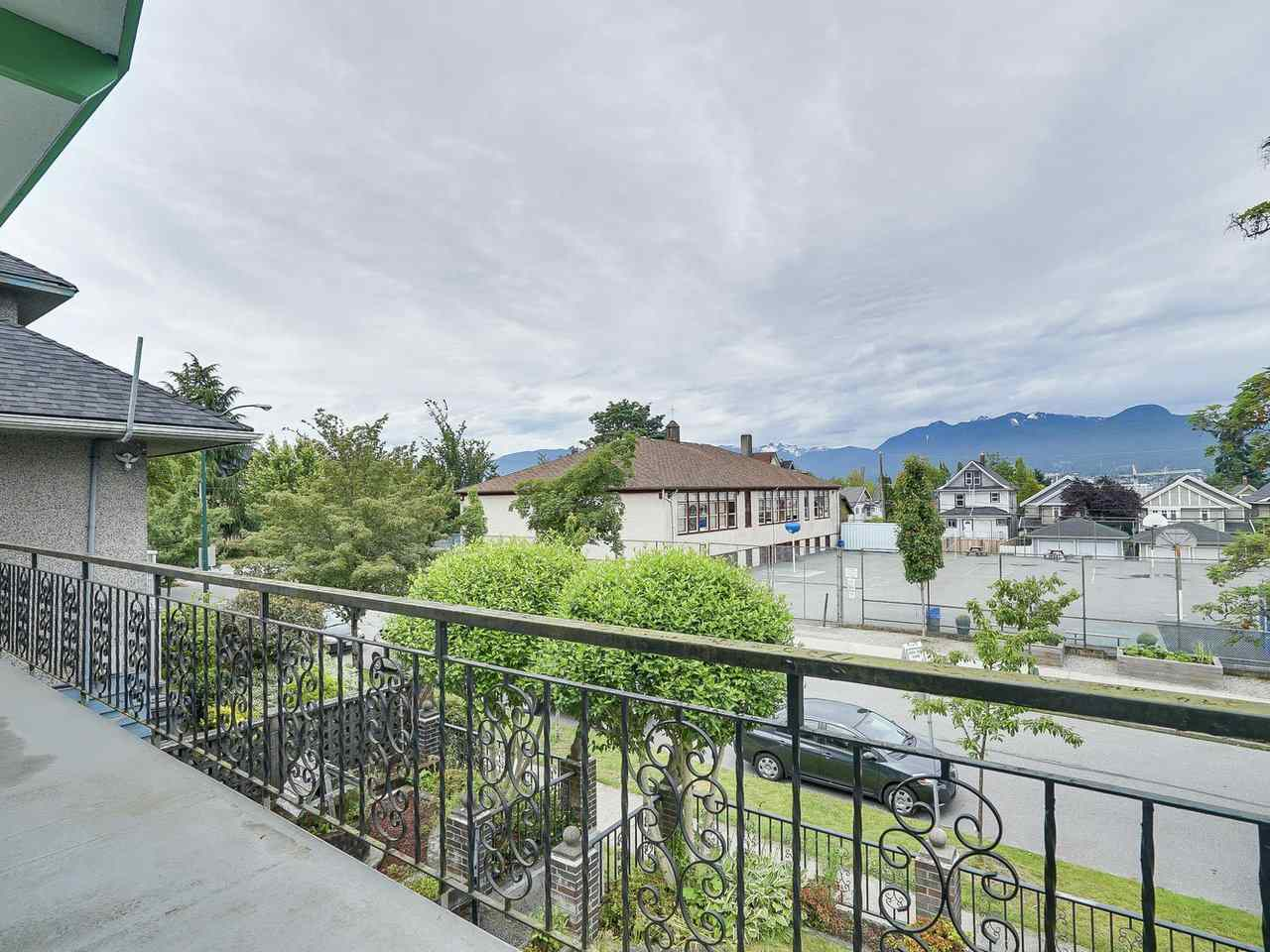 Main Photo: 1928 VENABLES Street in Vancouver: Grandview VE House for sale (Vancouver East)  : MLS(r) # R2180121