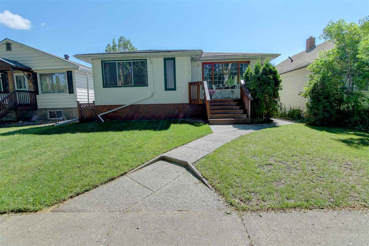 Main Photo: 12025 58 Street in Edmonton: Zone 06 House for sale : MLS(r) # E4070625