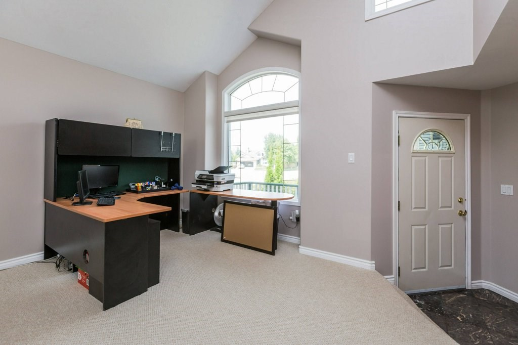 Photo 6: 1 OAKDALE Place: St. Albert House for sale : MLS(r) # E4071458
